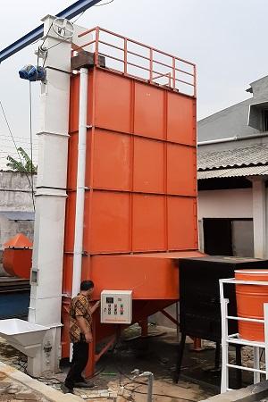 Mesin Pengering Padi Vertikal